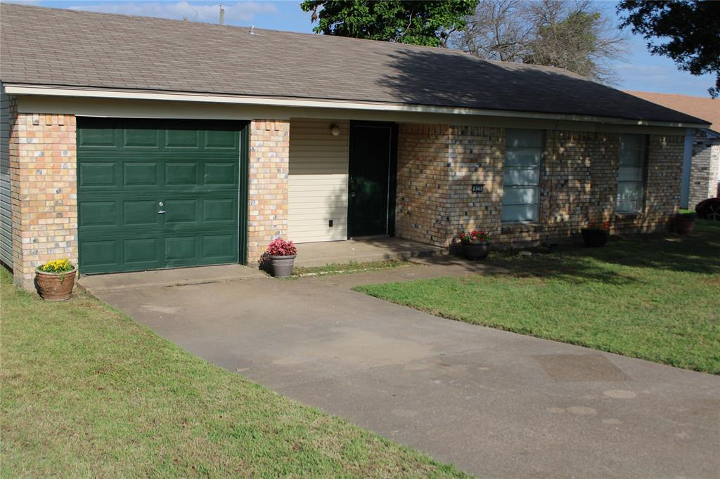 425 Hastings  Drive, Cedar Hill, Texas 75104 - Acquisto Real Estate best plano realtor mike Shepherd home owners association expert