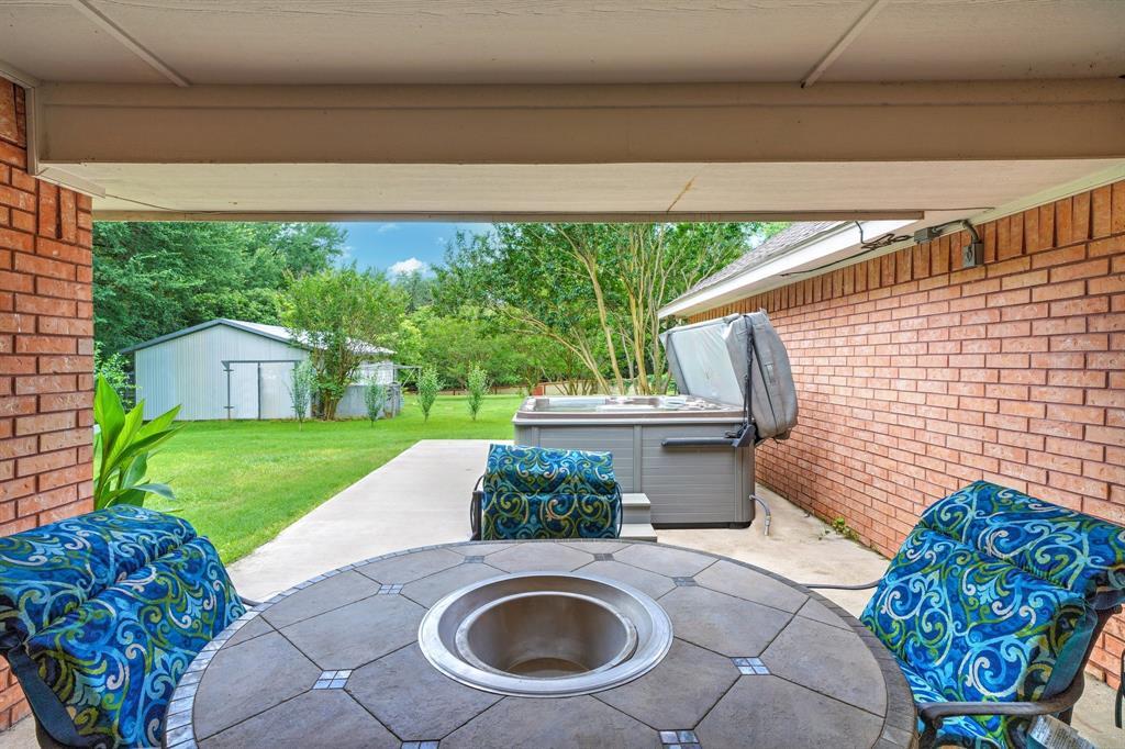 201 Chaparral  Drive, Granbury, Texas 76049 - acquisto real estate best negotiating realtor linda miller declutter realtor
