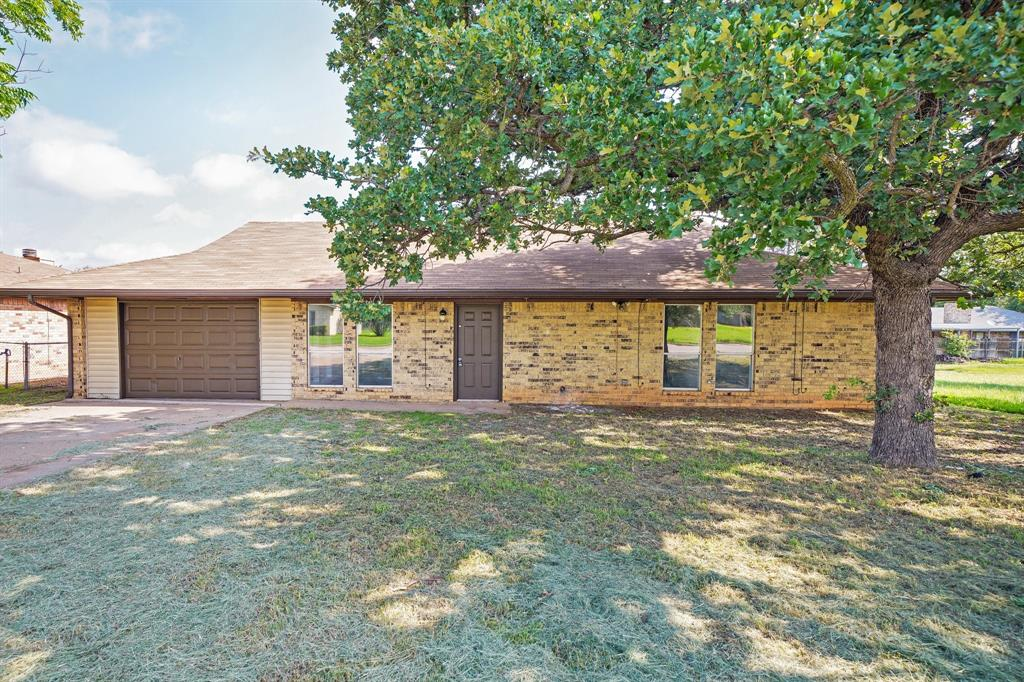 1512 Thomas  Lane, Graham, Texas 76450 - acquisto real estate best photo company frisco 3d listings