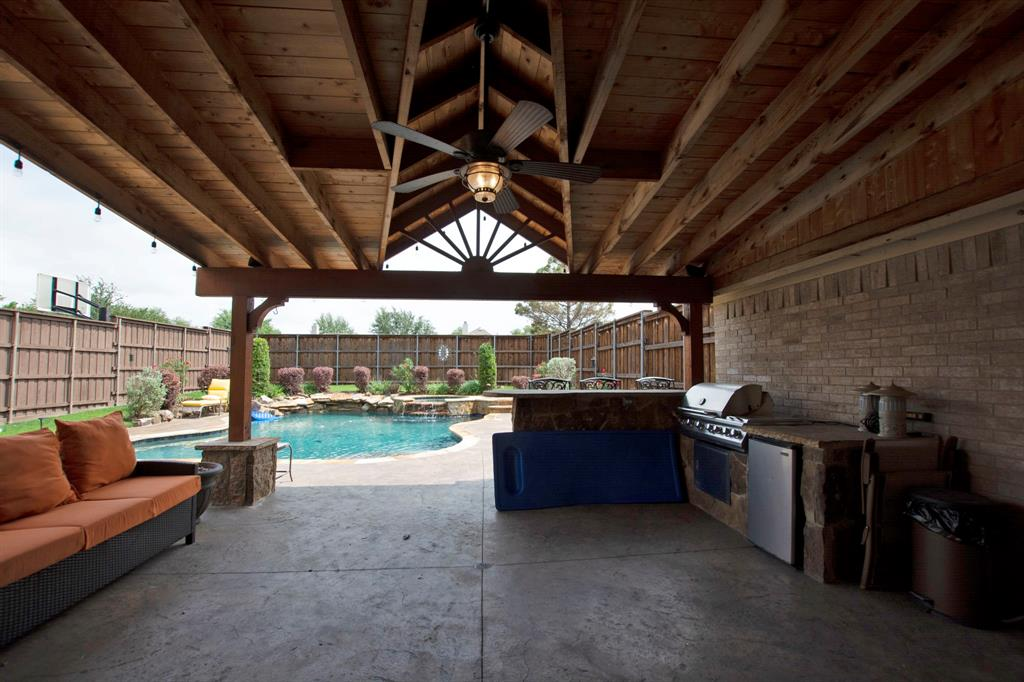 1701 Hill Creek  Drive, Garland, Texas 75043 - acquisto real estate best real estate company in frisco texas real estate showings
