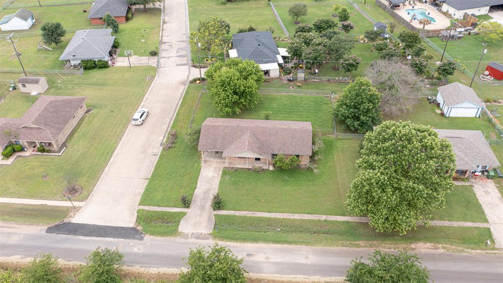 329 Hyles  Street, Italy, Texas 76651 - acquisto real estate best realtor foreclosure real estate mike shepeherd walnut grove realtor