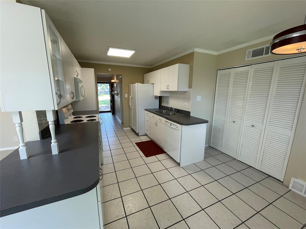 814 Melrose  Drive, Richardson, Texas 75080 - acquisto real estate best prosper realtor susan cancemi windfarms realtor