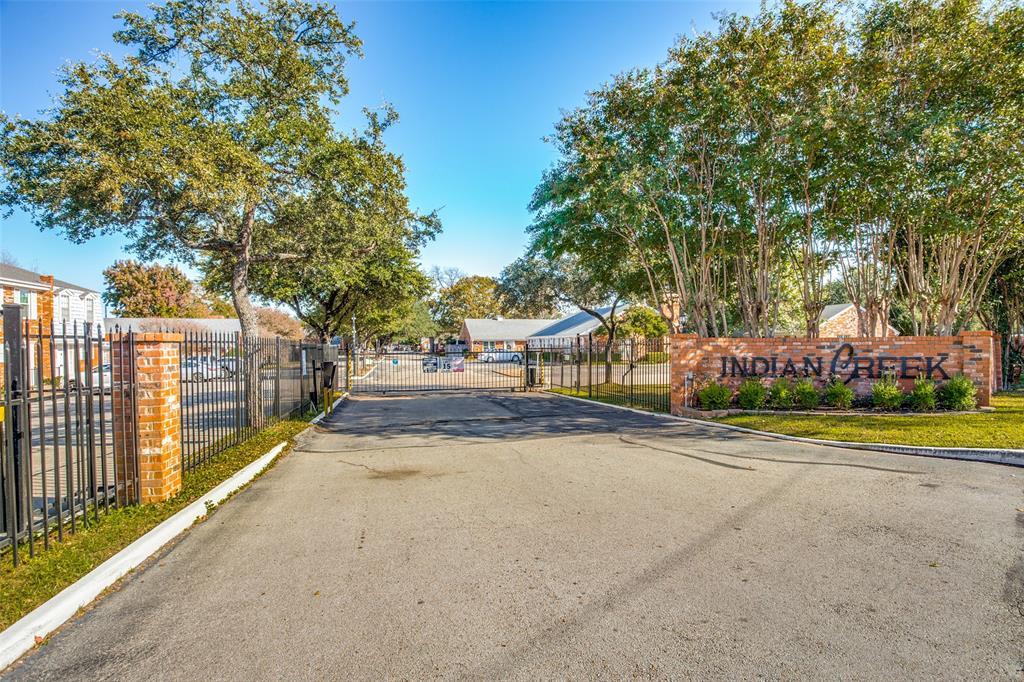 968 Roaring Springs  Road, Fort Worth, Texas 76114 - acquisto real estate best negotiating realtor linda miller declutter realtor