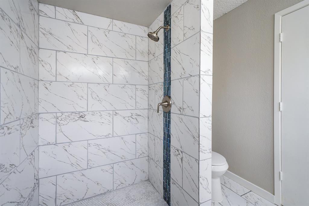 1512 Thomas  Lane, Graham, Texas 76450 - acquisto real estate best highland park realtor amy gasperini fast real estate service