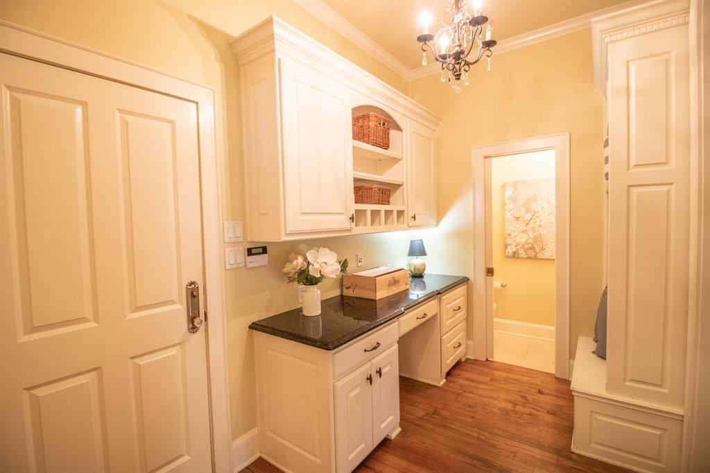 902 South  Street, Lindale, Texas 75771 - acquisto real estate best realtor dallas texas linda miller agent for cultural buyers