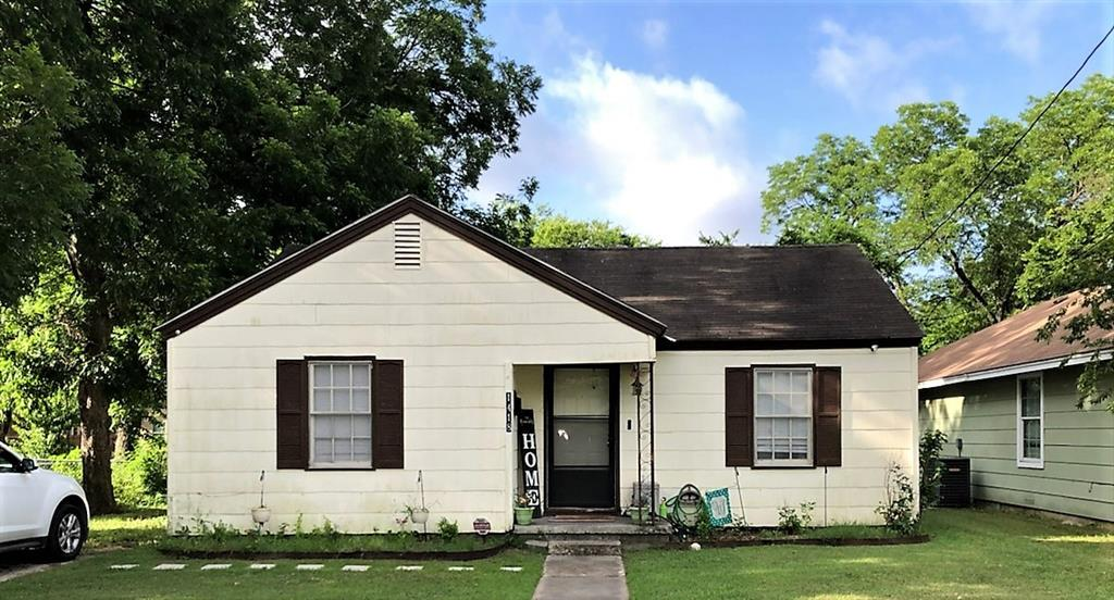 1418 Lanius  Street, Gainesville, Texas 76240 - Acquisto Real Estate best frisco realtor Amy Gasperini 1031 exchange expert