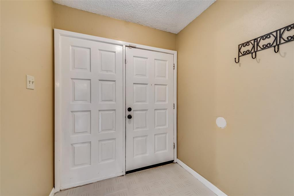 2133 Mountainview  Drive, Hurst, Texas 76054 - acquisto real estate best allen realtor kim miller hunters creek expert