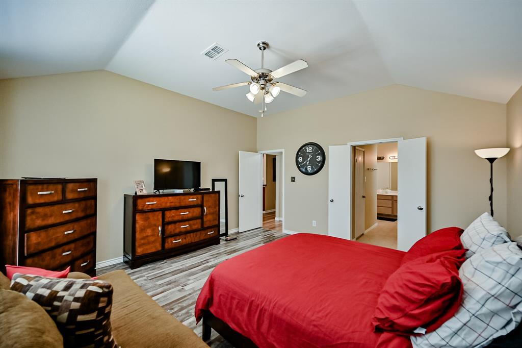7002 Snowy Owl  Street, Arlington, Texas 76002 - acquisto real estate best looking realtor in america shana acquisto