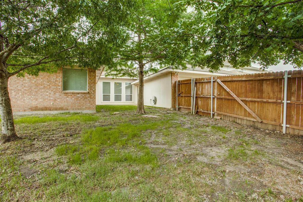 1514 Pine Bluff  Drive, Allen, Texas 75002 - acquisto real estate best realtor foreclosure real estate mike shepeherd walnut grove realtor