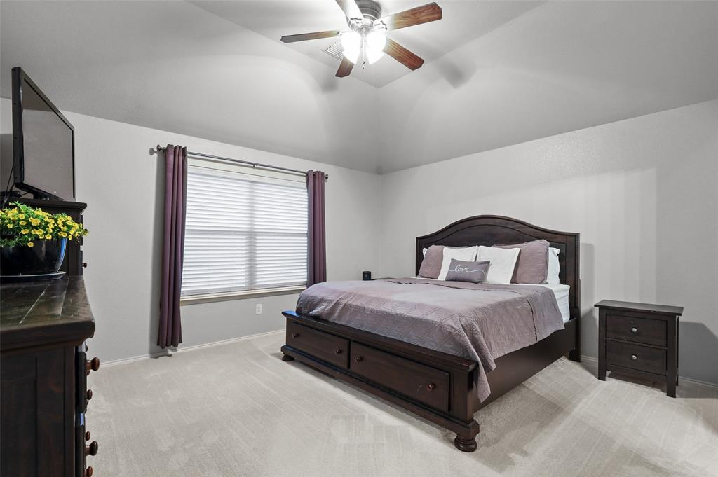 1432 Castlegar  Lane, Fort Worth, Texas 76247 - acquisto real estate best photos for luxury listings amy gasperini quick sale real estate