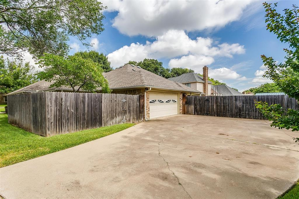 7415 Old Mill  Run, Fort Worth, Texas 76133 - Acquisto Real Estate best frisco realtor Amy Gasperini 1031 exchange expert