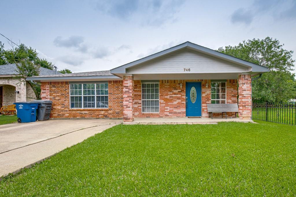 746 Elsberry  Avenue, Dallas, Texas 75217 - acquisto real estate best realtor dfw jody daley liberty high school realtor