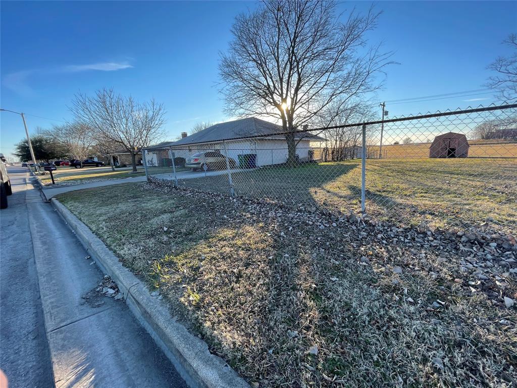 6704 Sayle  Street, Greenville, Texas 75402 - acquisto real estate best allen realtor kim miller hunters creek expert