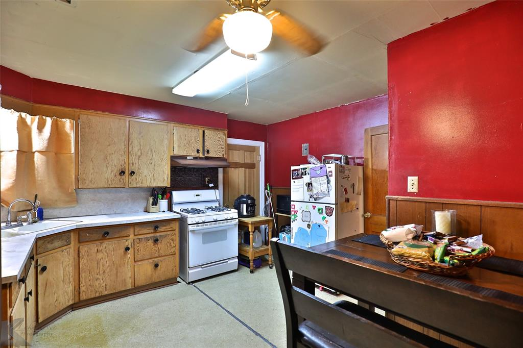 813 Orient  Street, Stamford, Texas 79553 - acquisto real estate best the colony realtor linda miller the bridges real estate