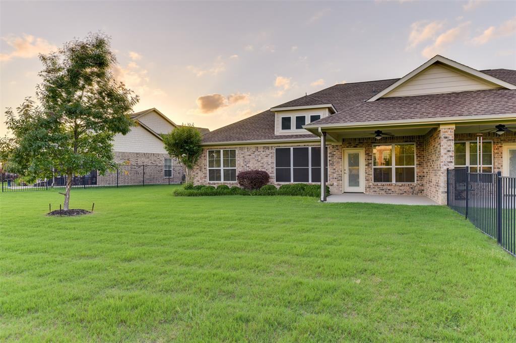104 Terra Verde  Court, Waxahachie, Texas 75165 - acquisto real estate best realtor foreclosure real estate mike shepeherd walnut grove realtor