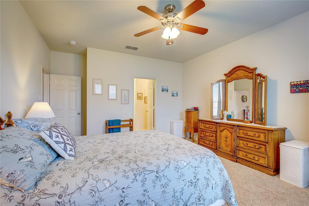 2116 Long Forest  Road, Heartland, Texas 75126 - acquisto real estate best photos for luxury listings amy gasperini quick sale real estate