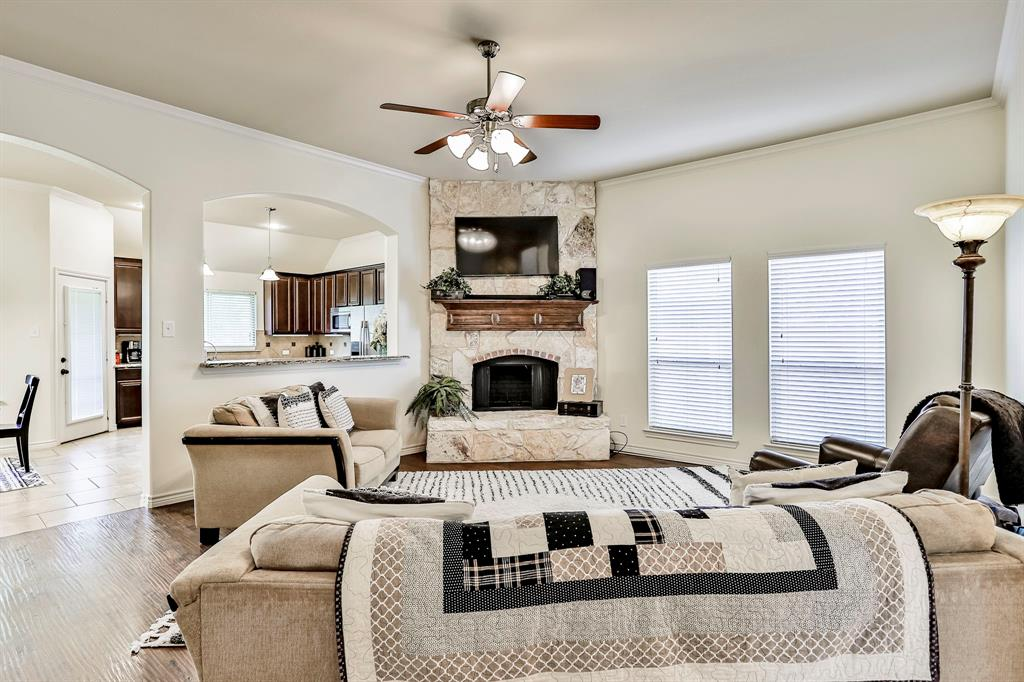 1412 Mesa Flats  Drive, Fort Worth, Texas 76052 - acquisto real estate best real estate company in frisco texas real estate showings
