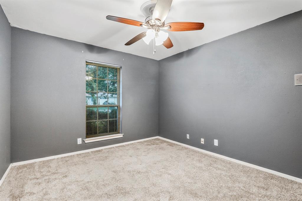 800 Prestwick  Street, Bedford, Texas 76022 - acquisto real estate mvp award real estate logan lawrence