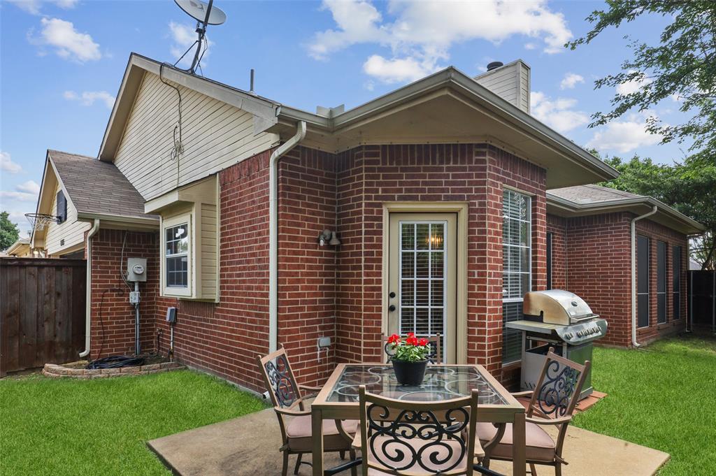 8105 Bells  Street, Frisco, Texas 75035 - acquisto real estate best realtor foreclosure real estate mike shepeherd walnut grove realtor