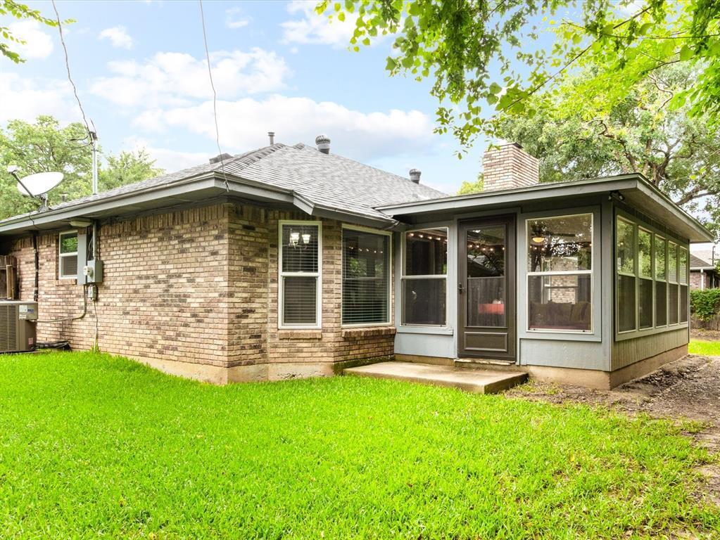 4509 Grey Dawn  Drive, Arlington, Texas 76017 - acquisto real estate best realtor dfw jody daley liberty high school realtor
