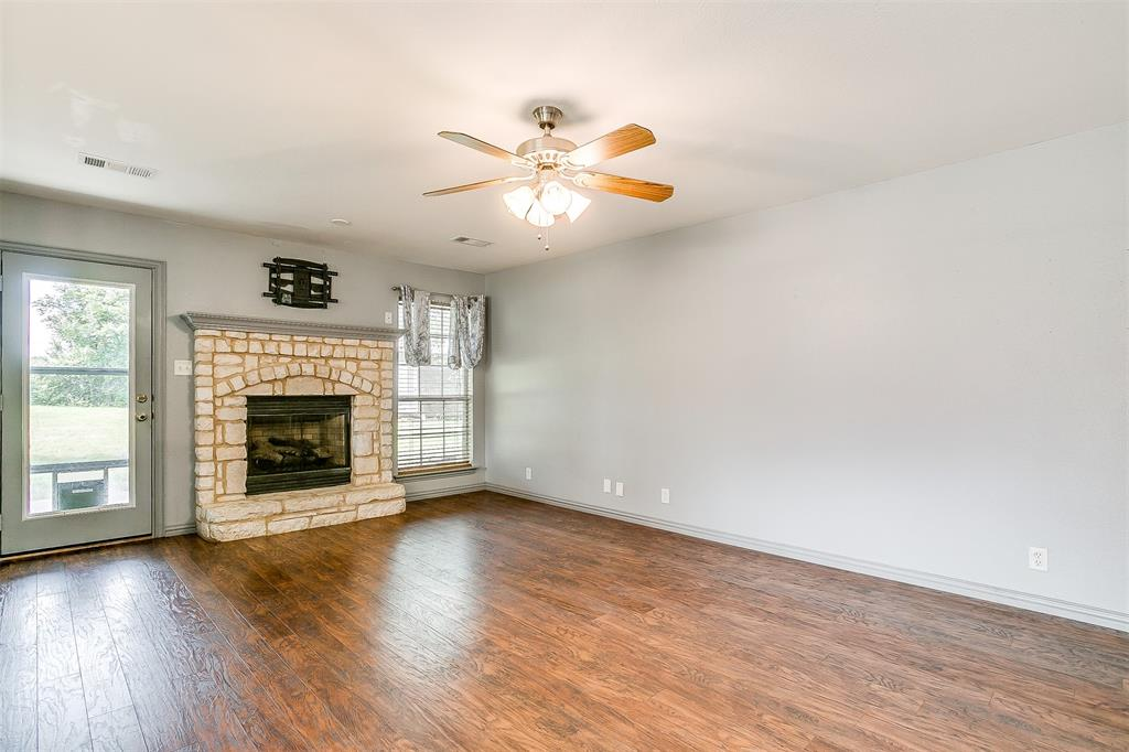 1107 6th  Street, Springtown, Texas 76082 - acquisto real estate best prosper realtor susan cancemi windfarms realtor