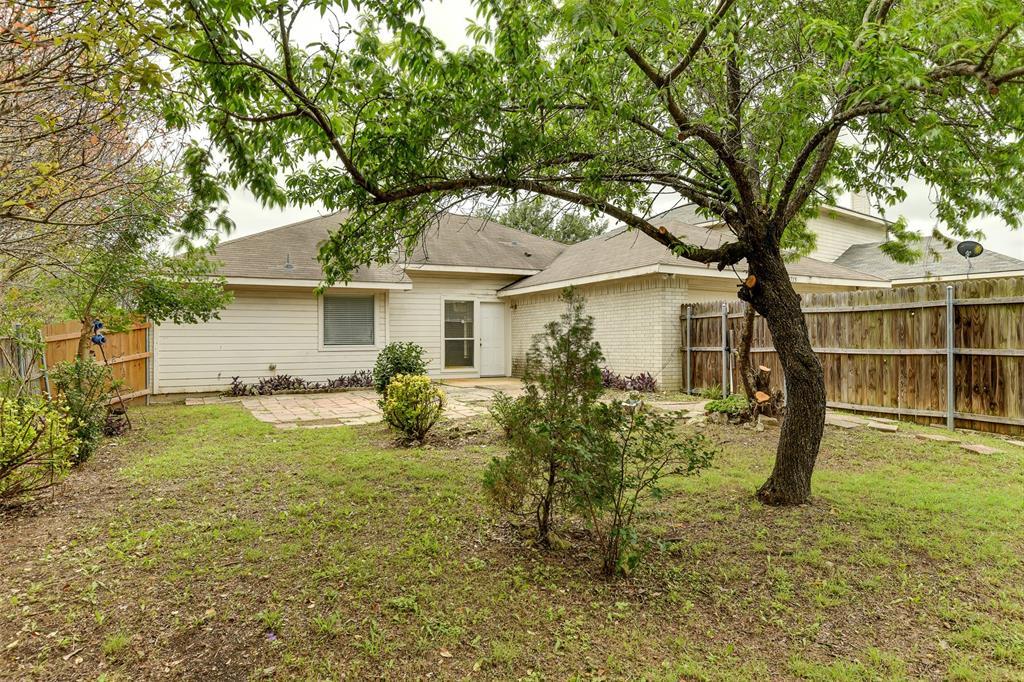 8715 Woodrigg  Drive, Dallas, Texas 75249 - acquisto real estate best realtor foreclosure real estate mike shepeherd walnut grove realtor
