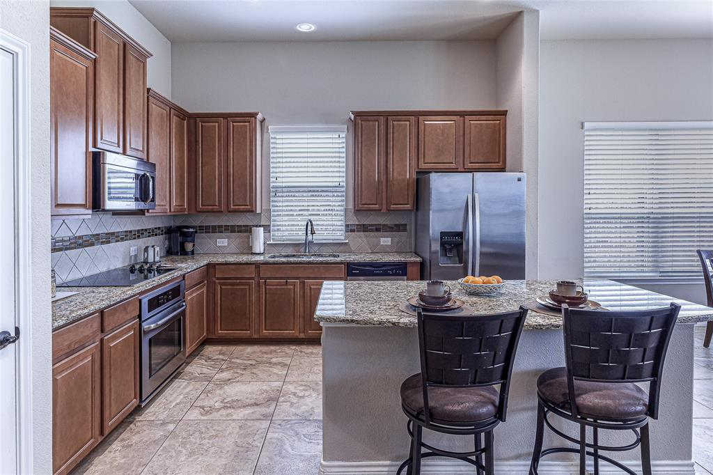 516 Caudle  Lane, Savannah, Texas 76227 - acquisto real estate best luxury buyers agent in texas shana acquisto inheritance realtor