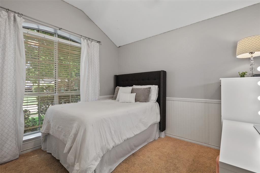 8105 Bells  Street, Frisco, Texas 75035 - acquisto real estate best celina realtor logan lawrence best dressed realtor