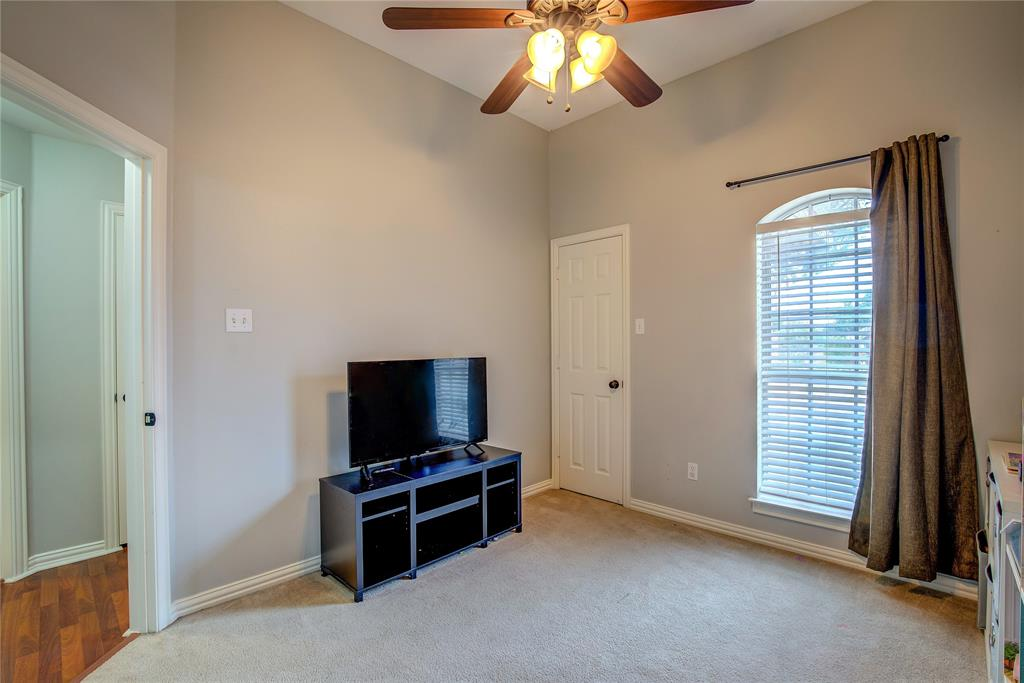 6907 Gold  Street, Greenville, Texas 75402 - acquisto real estate agent of the year mike shepherd
