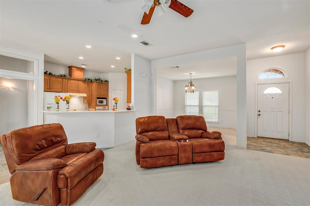 1018 Cook  Drive, Grand Prairie, Texas 75050 - acquisto real estate best highland park realtor amy gasperini fast real estate service