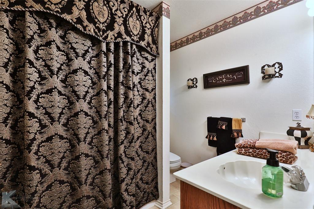 918 Reeves  Street, Abilene, Texas 79602 - acquisto real estate best realtor dfw jody daley liberty high school realtor