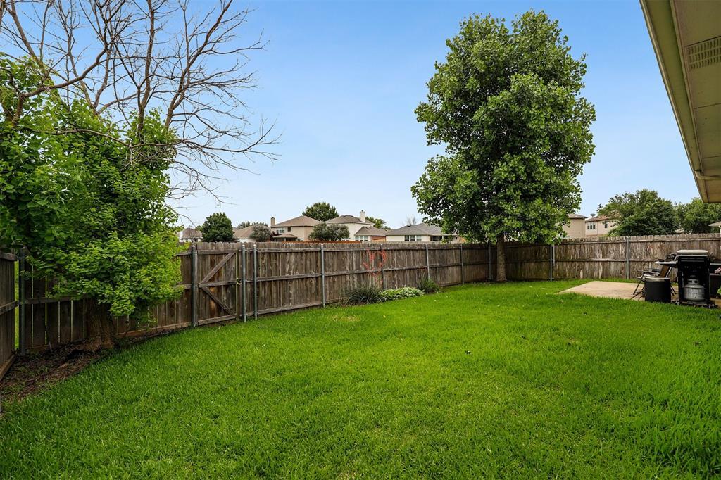 1012 Aviary  Drive, Aubrey, Texas 76227 - acquisto real estate best photo company frisco 3d listings