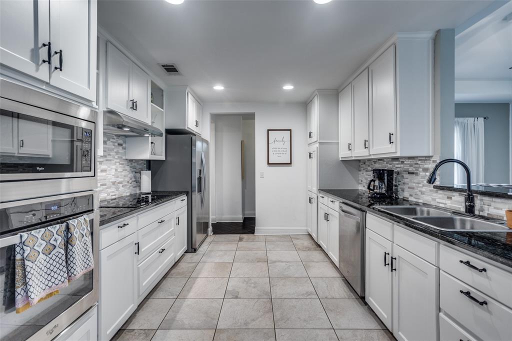 3240 Brunchberry  Lane, Plano, Texas 75023 - acquisto real estate best highland park realtor amy gasperini fast real estate service