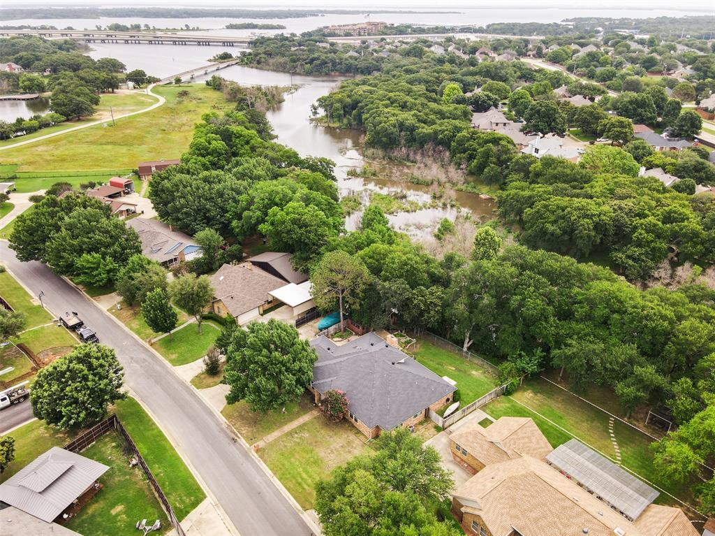 602 Duvall  Boulevard, Highland Village, Texas 75077 - acquisto real estate best negotiating realtor linda miller declutter realtor