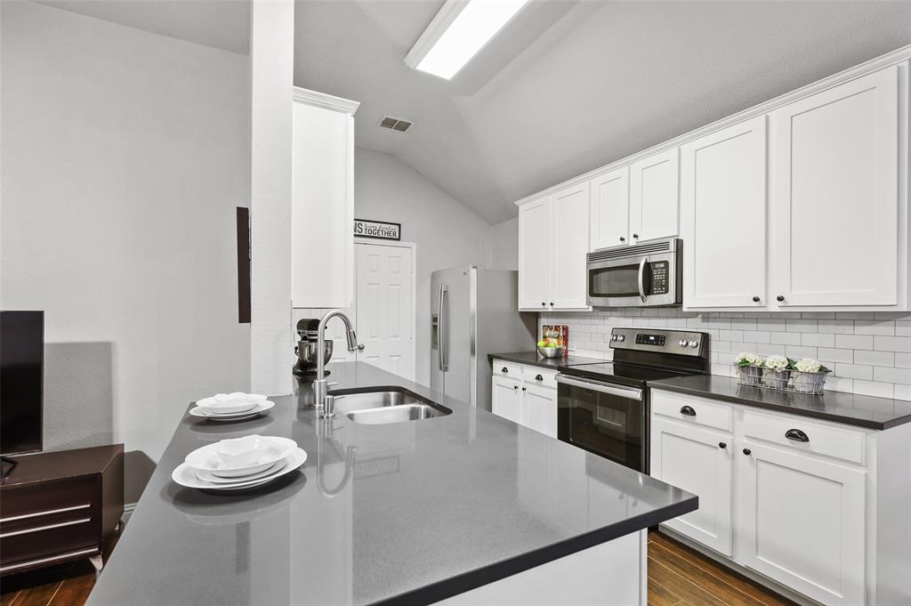 1432 Castlegar  Lane, Fort Worth, Texas 76247 - acquisto real estate best listing listing agent in texas shana acquisto rich person realtor