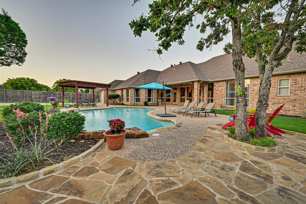 1040 Falcon Creek  Drive, Kennedale, Texas 76060 - acquisto real estate best luxury home specialist shana acquisto