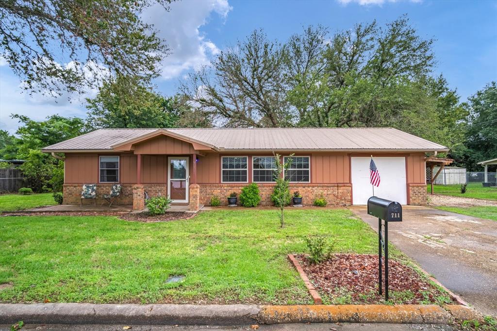 711 Water Crest  Circle, Canton, Texas 75103 - acquisto real estate best allen realtor kim miller hunters creek expert