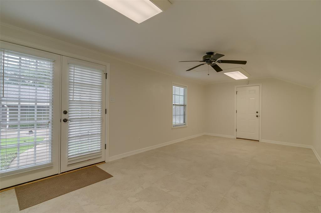 9018 Flicker  Lane, Dallas, Texas 75238 - acquisto real estate best investor home specialist mike shepherd relocation expert