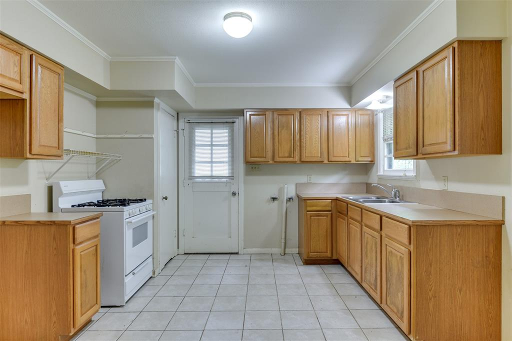 102 Pensacola  Avenue, Waxahachie, Texas 75165 - acquisto real estate best celina realtor logan lawrence best dressed realtor