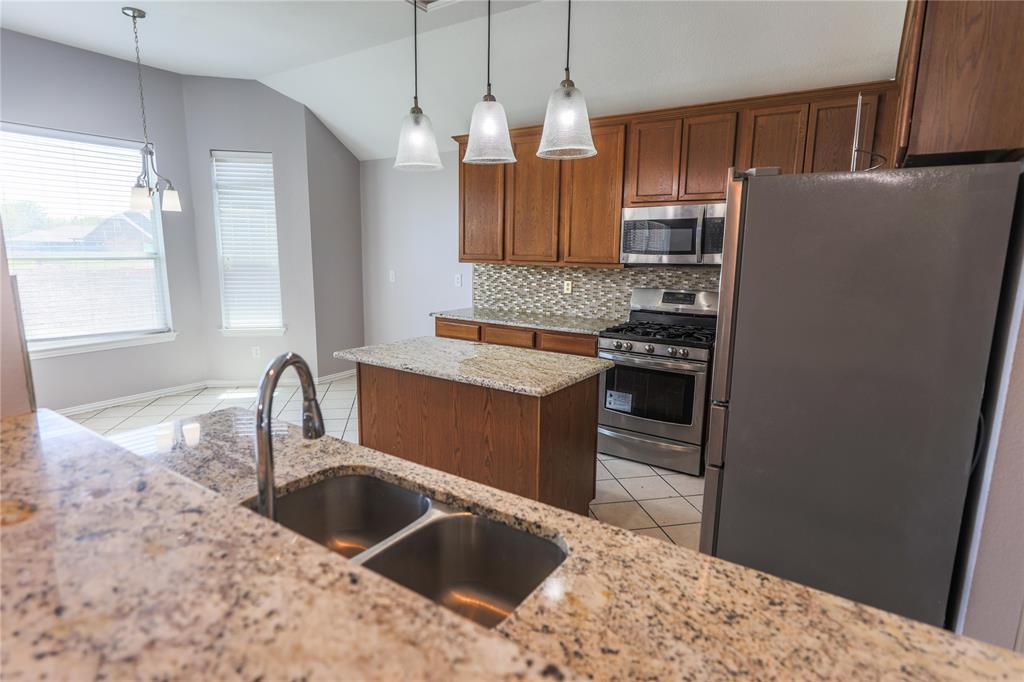 8104 Toltec  Court, Arlington, Texas 76002 - acquisto real estate best listing agent in the nation shana acquisto estate realtor