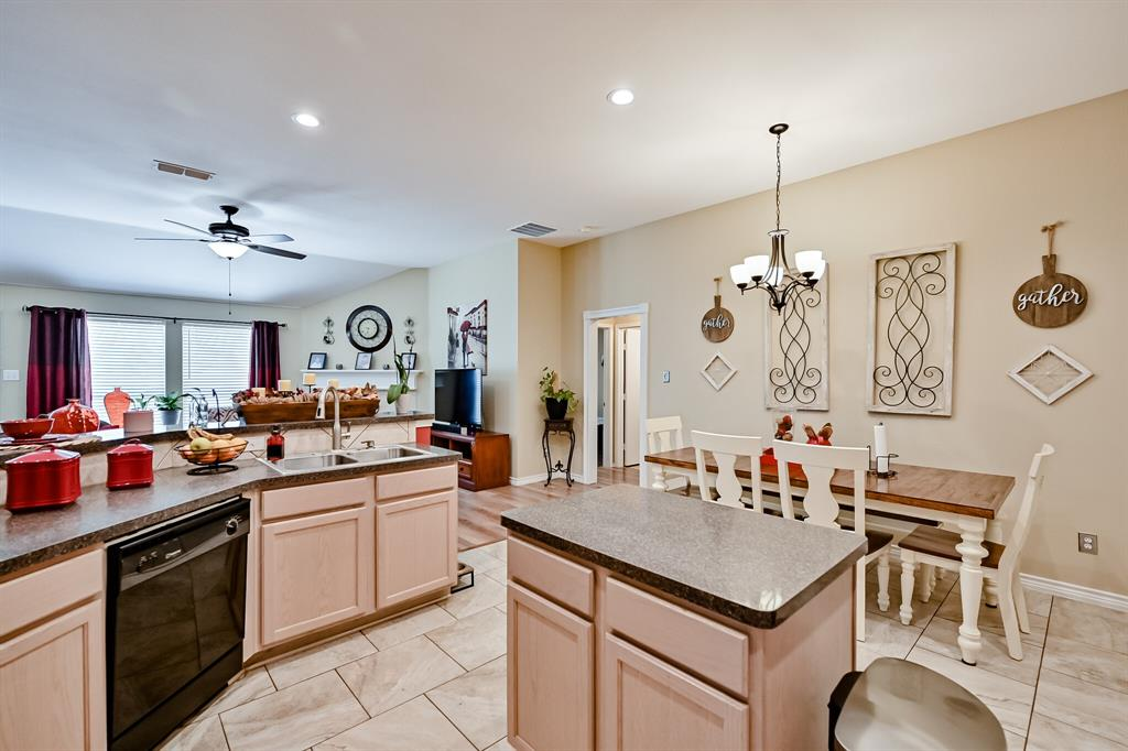7002 Snowy Owl  Street, Arlington, Texas 76002 - acquisto real estate best plano real estate agent mike shepherd