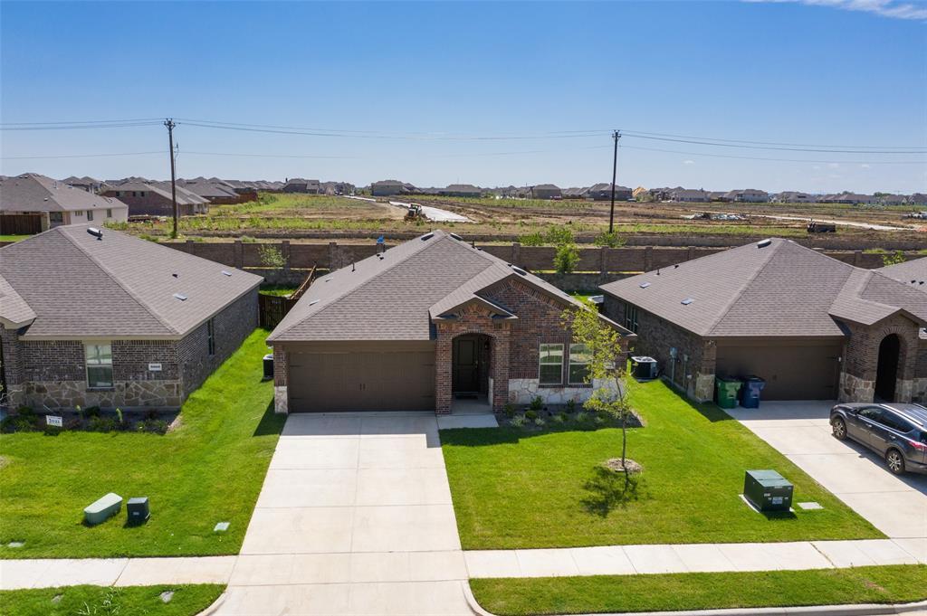 8016 Gallup  Avenue, Aubrey, Texas 76227 - acquisto real estate best realtor foreclosure real estate mike shepeherd walnut grove realtor