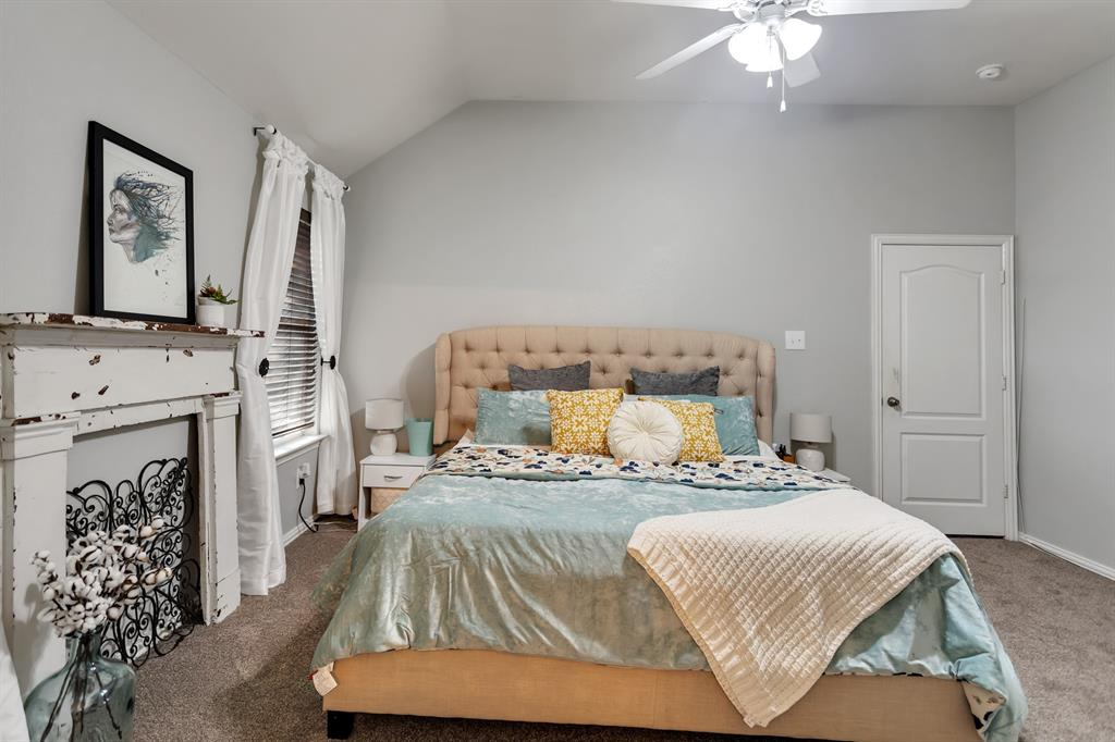 531 Kirby  Drive, Argyle, Texas 76226 - acquisto real estate best new home sales realtor linda miller executor real estate