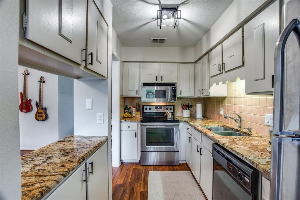 968 Roaring Springs  Road, Fort Worth, Texas 76114 - acquisto real estate best listing listing agent in texas shana acquisto rich person realtor