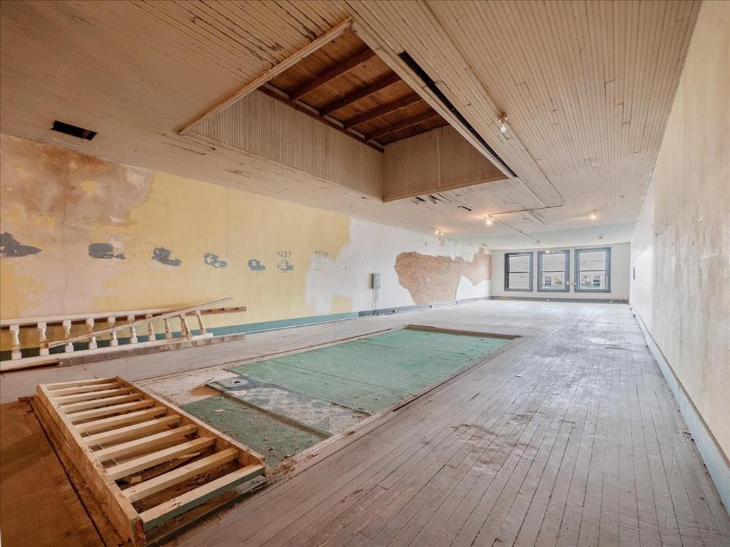 114 Beaton  Street, Corsicana, Texas 75110 - acquisto real estate best designer and realtor hannah ewing kind realtor