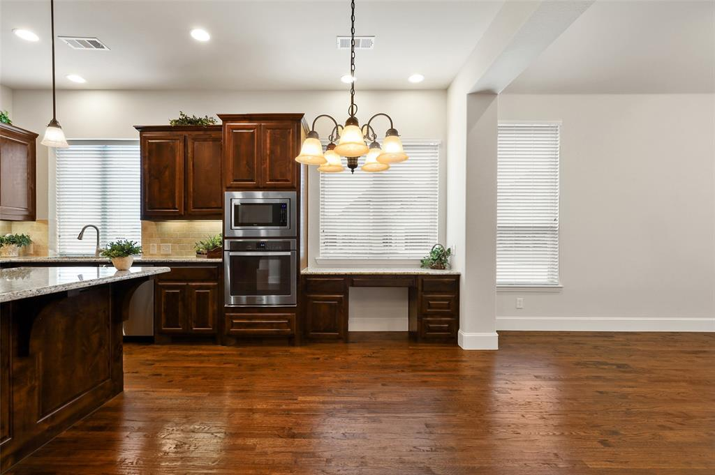 1624 Golf Club  Drive, Lantana, Texas 76226 - acquisto real estate best listing agent in the nation shana acquisto estate realtor