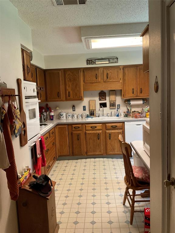1707 Bunker Hill  Lane, Lewisville, Texas 75056 - acquisto real estate best luxury buyers agent in texas shana acquisto inheritance realtor