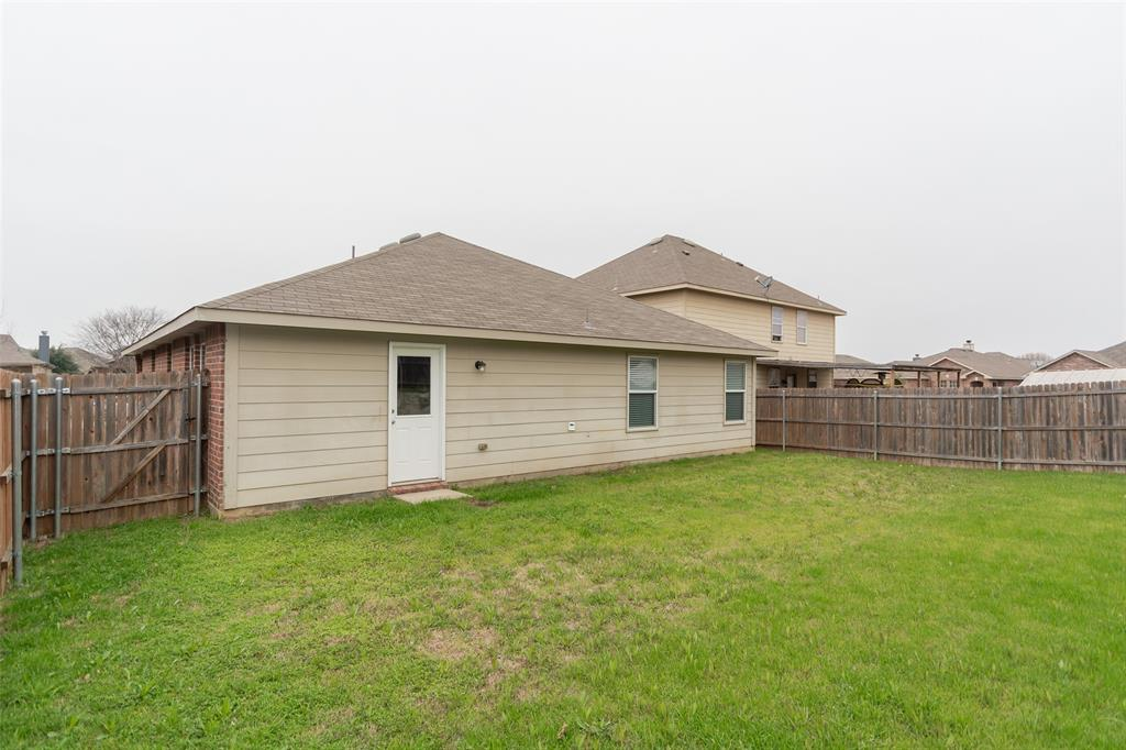 812 Becard  Drive, Aubrey, Texas 76227 - acquisto real estate best realtor foreclosure real estate mike shepeherd walnut grove realtor