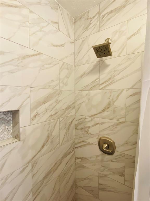 6406 Brookgrove  Court, Arlington, Texas 76018 - acquisto real estate best listing agent in the nation shana acquisto estate realtor
