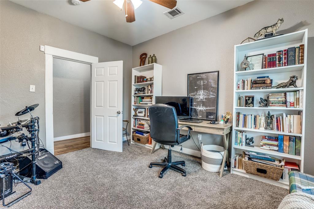 810 Elsbeth  Street, Dallas, Texas 75208 - acquisto real estate best designer and realtor hannah ewing kind realtor